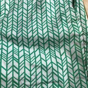 """GAP Shorts - Gap green and white 7"""" shorts"""